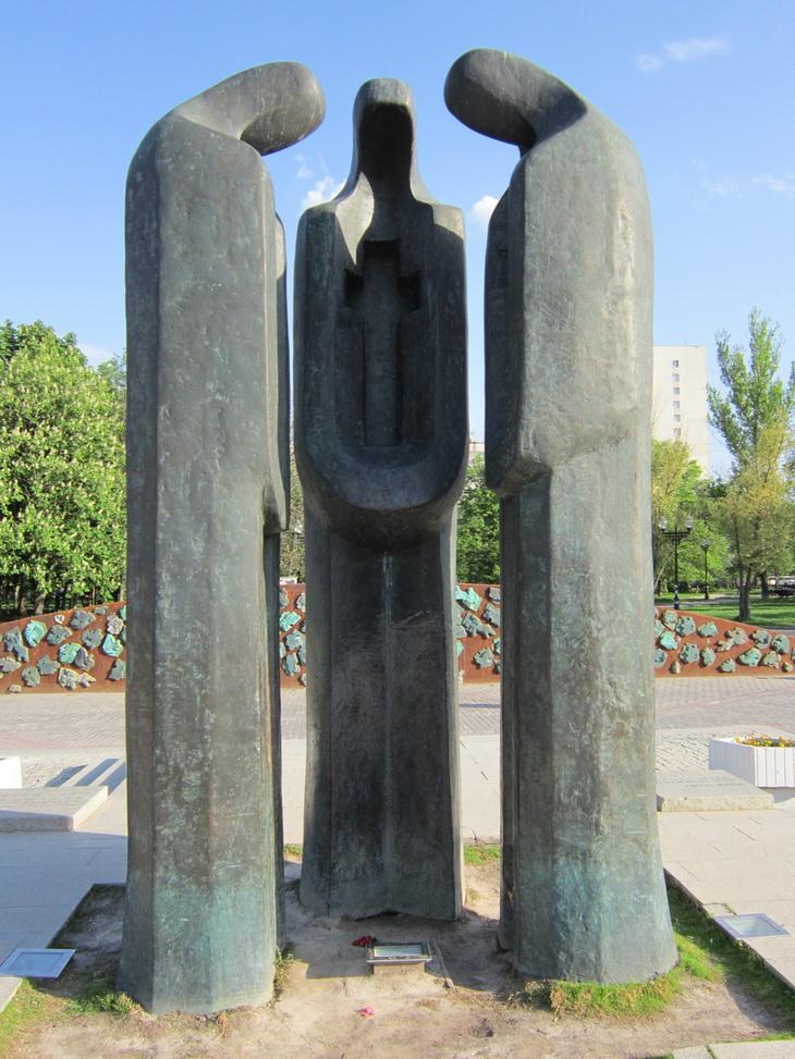 Скульптурные композиции фото продолжала