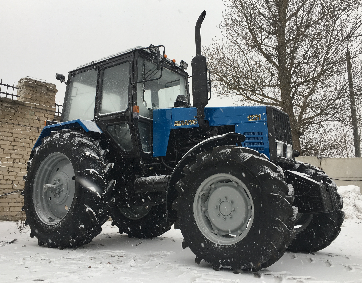 Трактор Belarus Тракторы «Беларус-1221» - фото