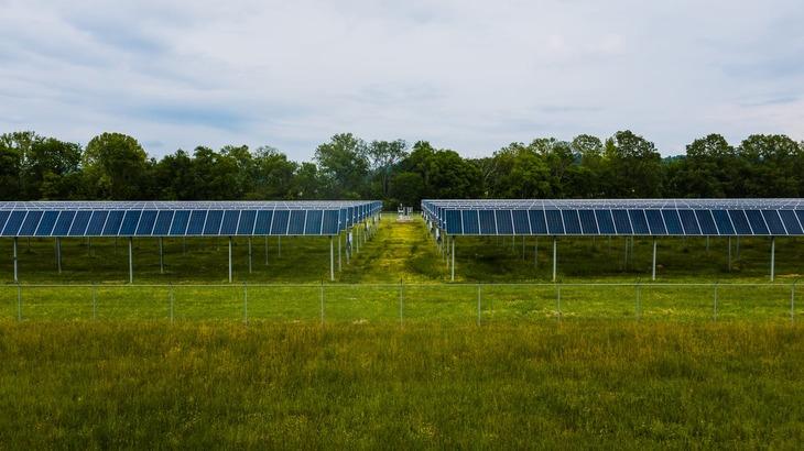 Фермеры Германии собирают двойной урожай с помощью солнечной энергии