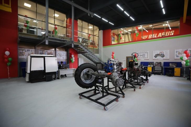 В Ставропольском государственном аграрном университете открылся новый учебный центр по изучению механизмов тракторов